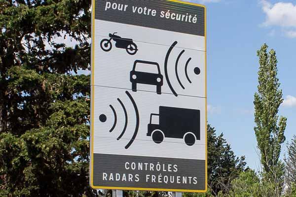 Radar : contrôleurs d'assurance voiture