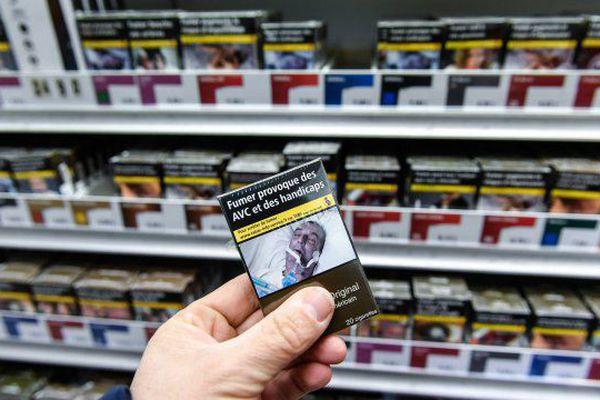10 euros le prix du paquet de cigarettes, c'est fait !